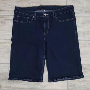 Women's Bermuda Levi's shorts